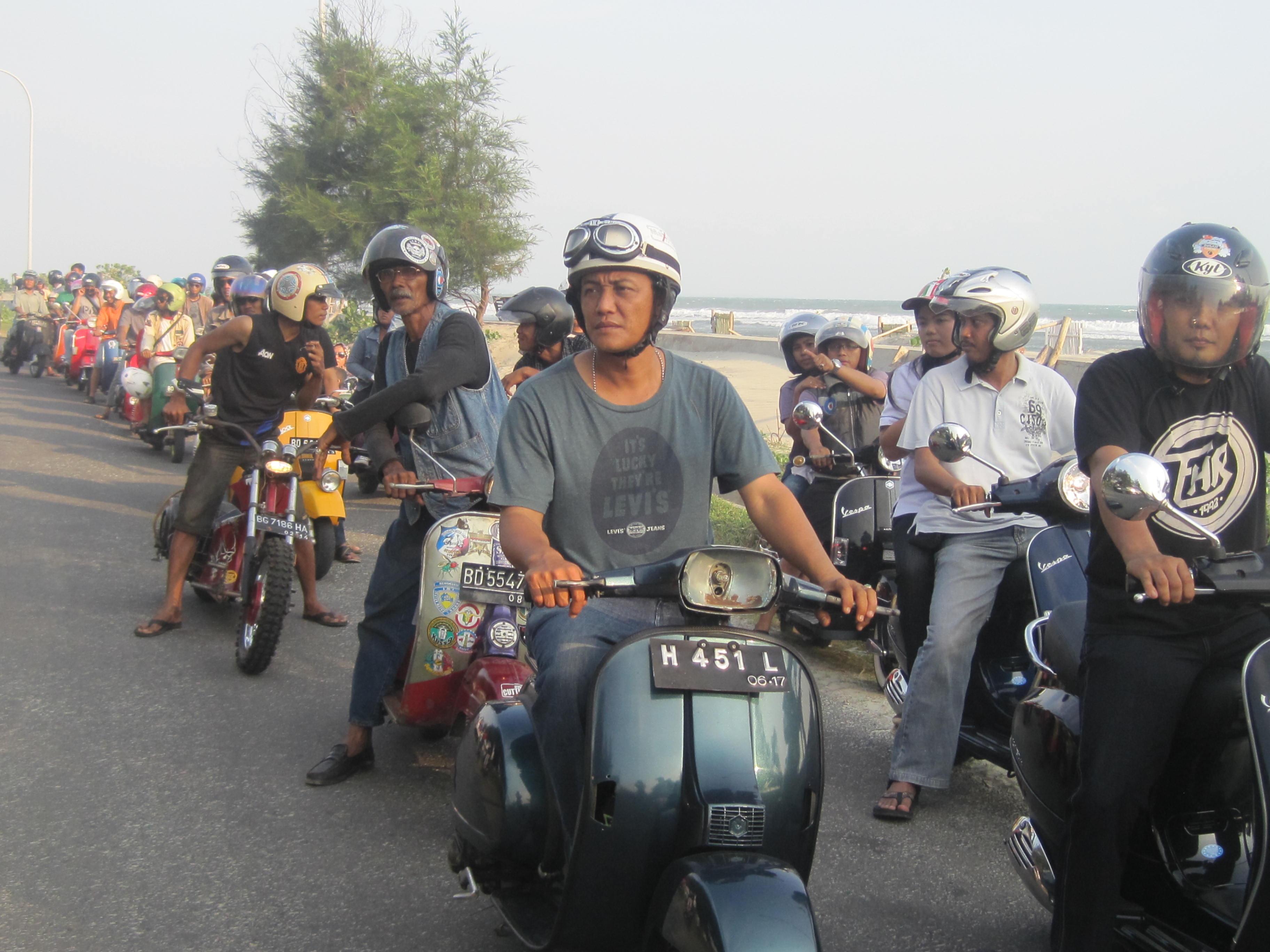 Bengkulu Eps Touring Vespa With Thiasa Ismantoalpha